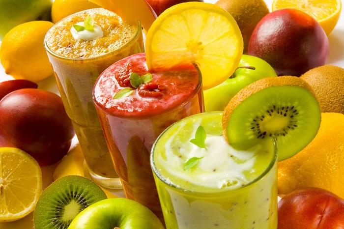 Смузі из фруктів и ягід