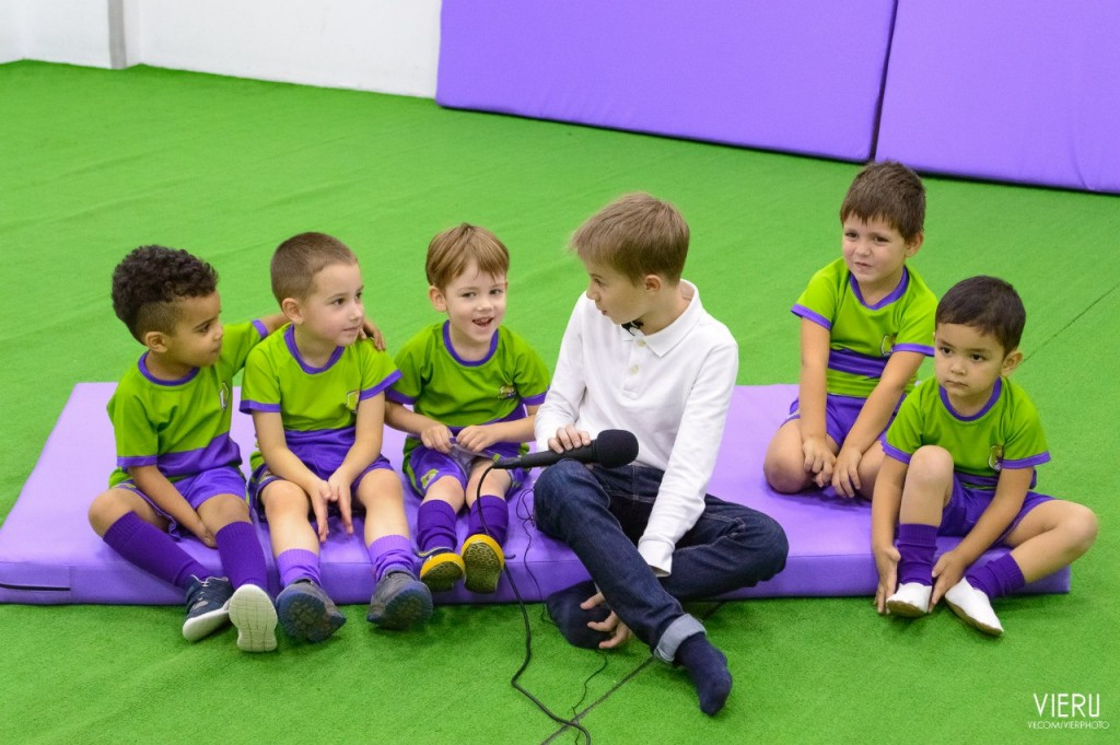 Інтерв'ю з юними футболістами