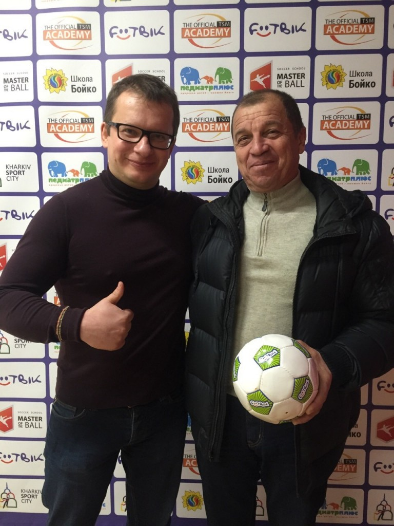 Попов в футбольном клубе для дошкольников Футбик