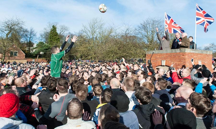 Різновиди футболу: Королівський масляний футбол