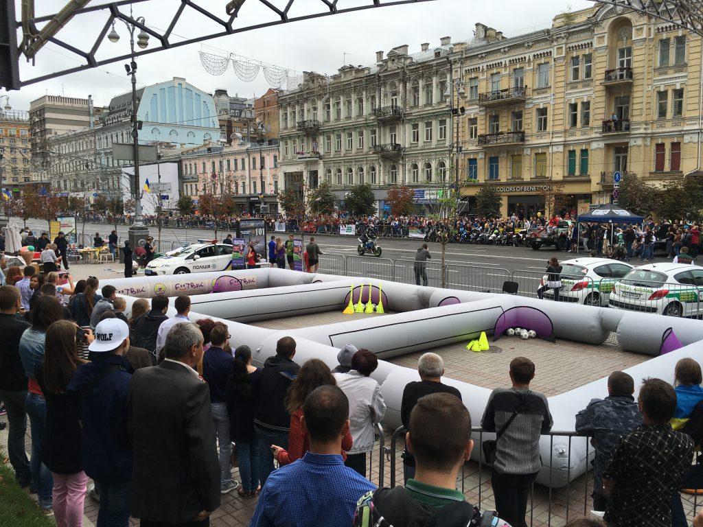 День Незалежності з Футбік на Центральній площі країни