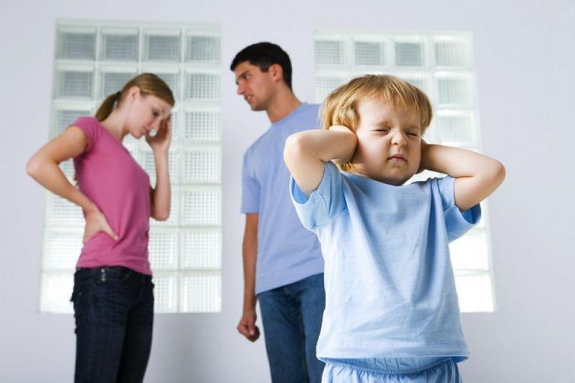 Как влияют семейные скандалы на ребенка