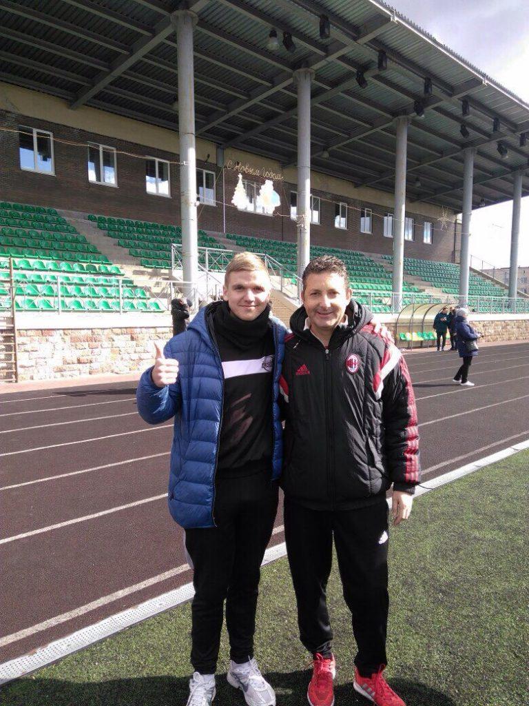 Тренер ФШ «Майстер м'яча» і «Футбік» на семінарі тренерів з футболу